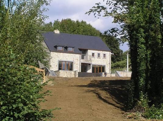 Entreprise de construction de maison à Waimes: grand terrain